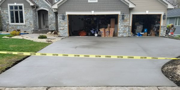Cement Driveway 44.88969 -93.34995